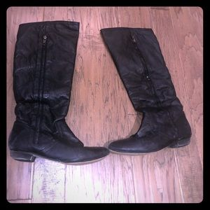 Steve Madden knee high boots. Faux zip. Size 7M